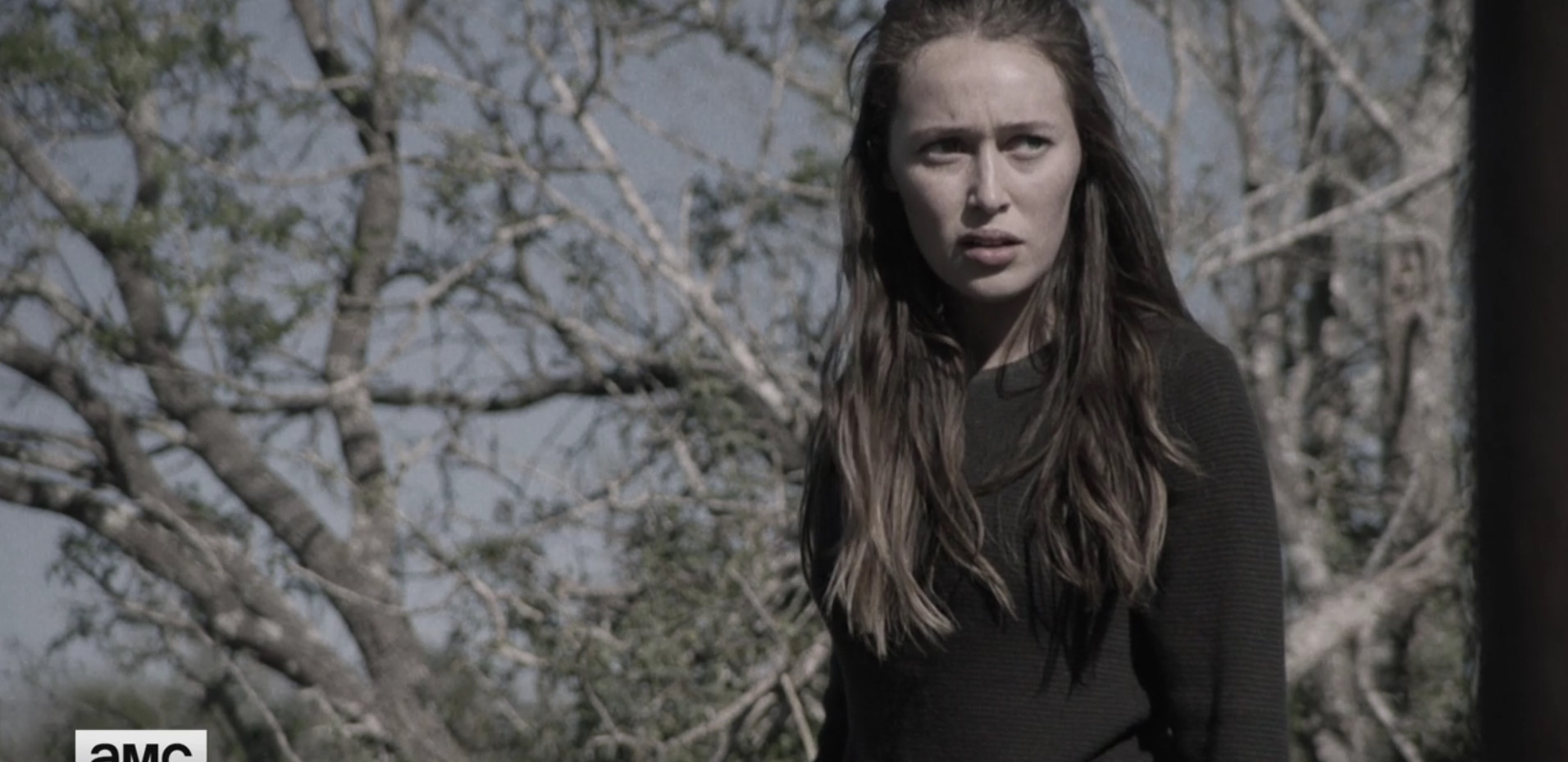 Press/Videos: Alicia Gets an Invitation to Alexandria in This Fear the Walking Dead Sneak Peek
